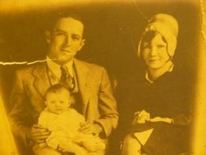 Lee and Artis McClellan w/sister Betty(1929)